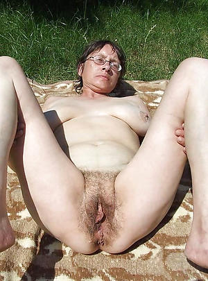 horny old grandmothers posing nude