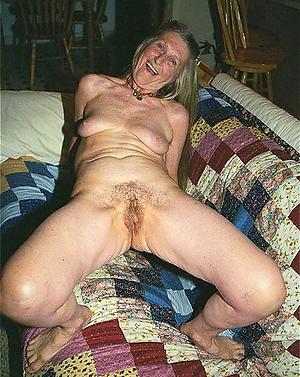 xxx granny masturbates