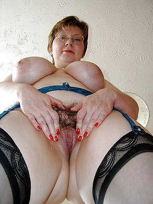 porn pics of hairy mature woman