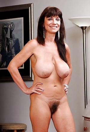 hairy mature woman amateur pics