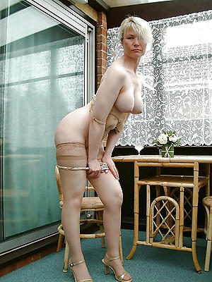 mature woman in heels homemade pics