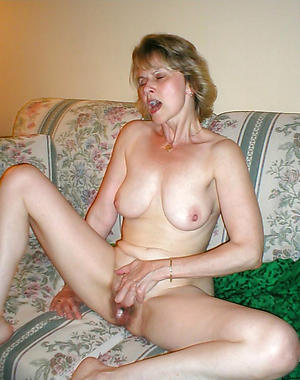 leave to twist slowly in the wind housewife private pics