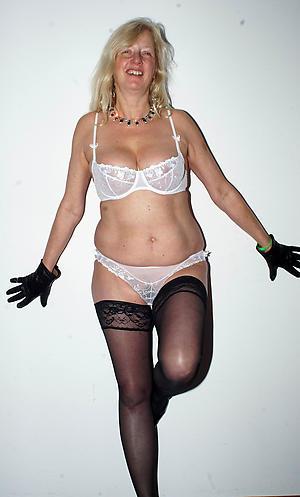 xxx mature in lingerie