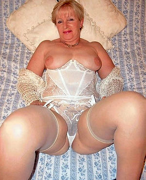 old women in lingerie porn pics
