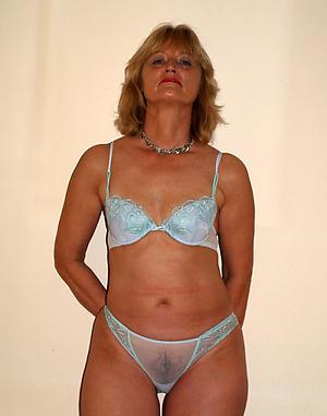sexy ladies up lingerie non-professional pics