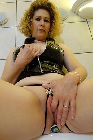 granny masturbating free pics