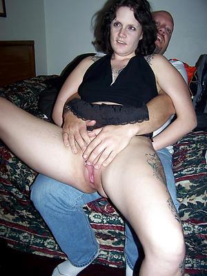 amateur women masturbating with vibrators