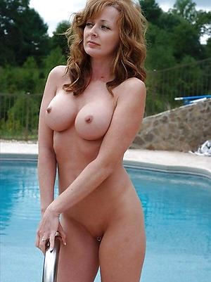 nude grandma love posing nude