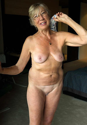 amateur old woman tits