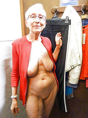 horney old woman posing nude