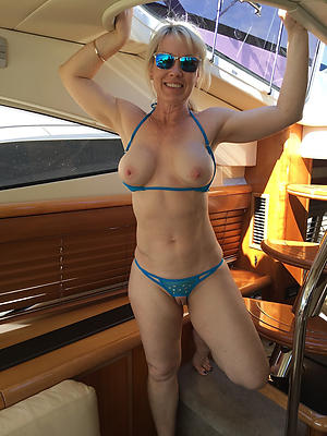 women encircling bikinis private pics