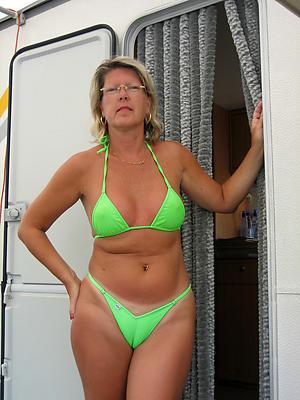 undecorated pics be incumbent on hot women in bikinis