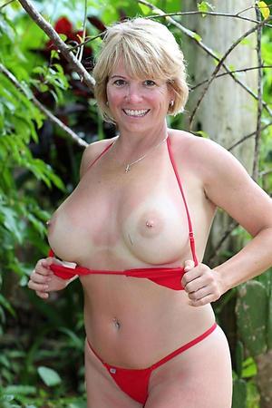 hot women adjacent to bikinis amateur pics