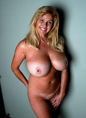 xxx pictures of naked women chubby tits