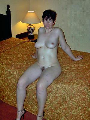 horny sexy brunette women