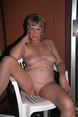 chubby nude body of men porn pics