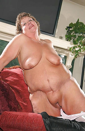 hot fat battalion love posing nude