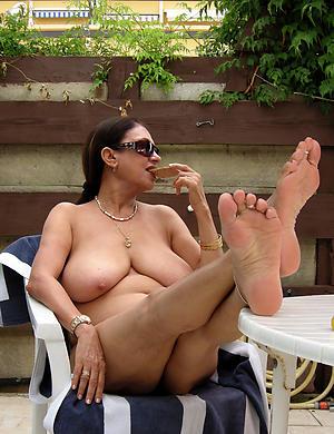 amazing beautiful body of men feet