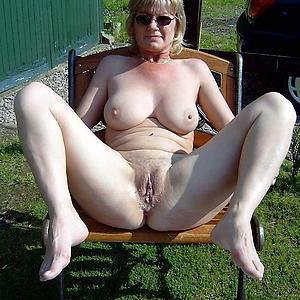 sexy mature nude girlfriends