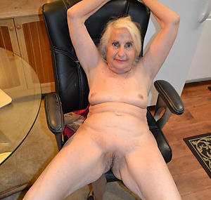 mature nude girlfriends posing