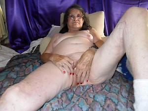 sexy girlfriend love posing nude