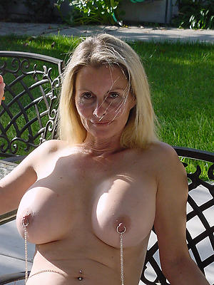 horny amateur show one's age free pics