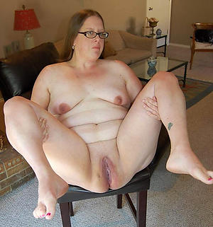 hotties old lady not far from glasses