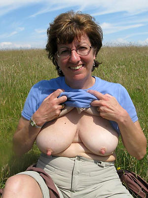 amateur mature with glasses