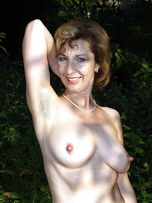 nude sexy outdoor women