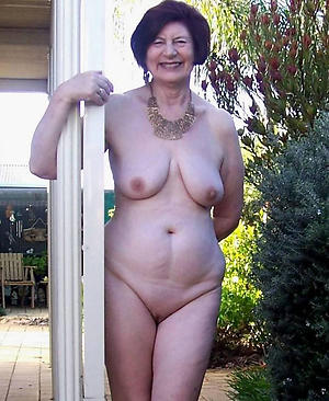 mature ladies absent from private pics