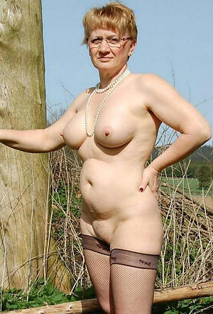 crazy mature outdoor pussy