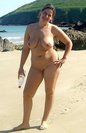 nude  granny seashore pics