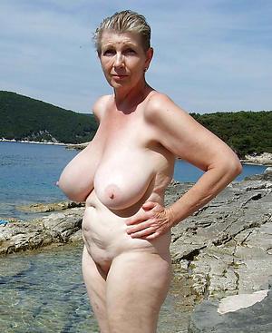 nude granny lido posing nude