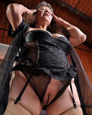 women in tight panties amateur pics