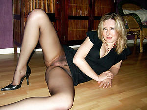 grotty adult in pantyhose