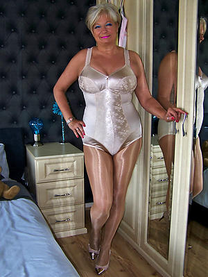 hotties old descendant in pantyhose