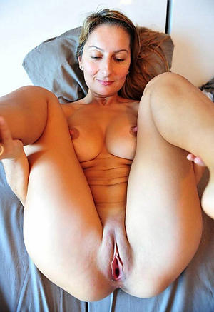 free pics of women with red pussy