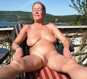 downcast big saggy mature tits