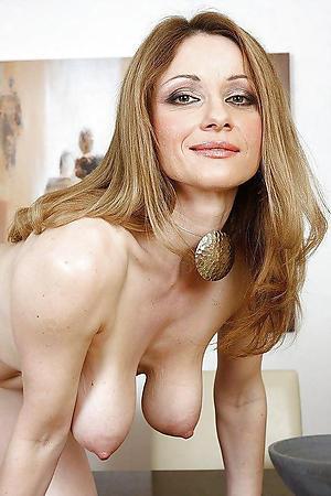 naked granny saggy tits