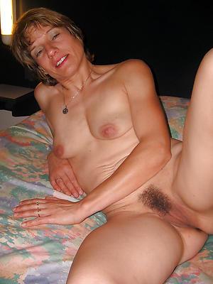 moms saggy tits big nipples love posing nude