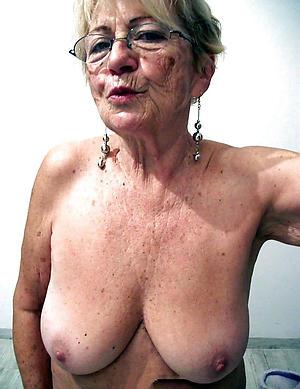 mautre selfshot nude unorthodox pics