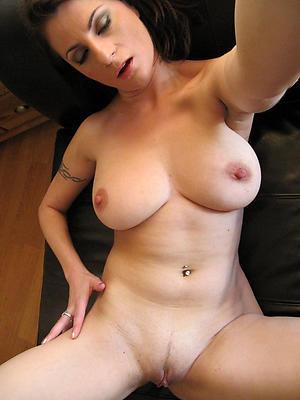 mature selfie masturbation posing nude