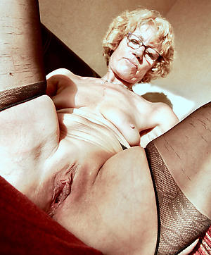 free pics of mature shaved pussy