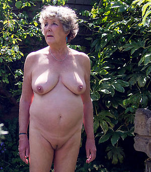 shaved pussy adult moms porn pics
