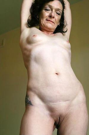 unadorned pics of women surrounding small tits