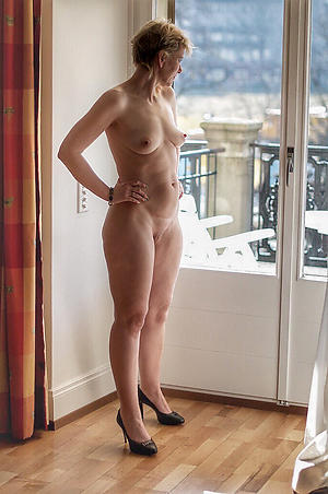 stunning small tits unveil women