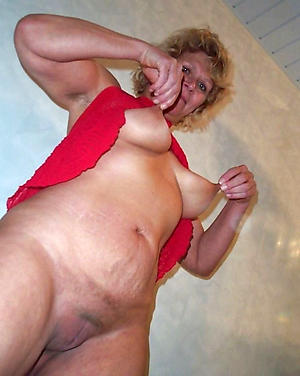 old lady unattended amateur pics