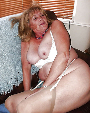 xxx mature granny in stockings