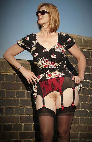 crazy sexy mature women in stockings