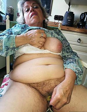 elderly lady masturbates